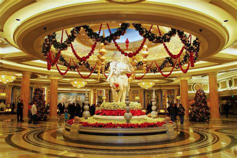 top ten hotel lobby christmas decorations 14 decked out hotels for decking the halls this season