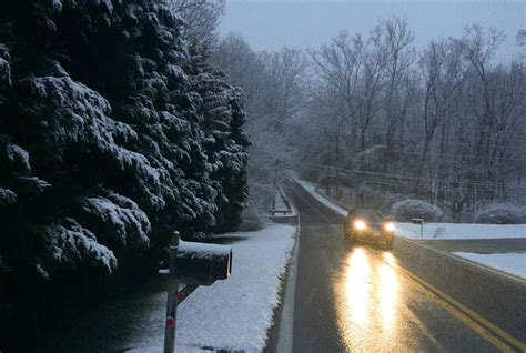 snow flurries weather snow flurries falling in some areas tuesday as cold trend