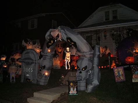 backyard halloween decorations 13 halloween front yard decoration ideas