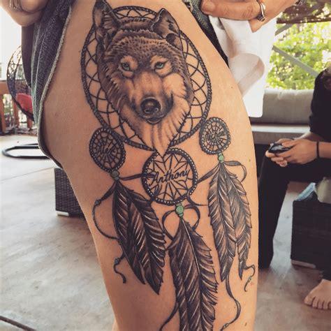 tattoo dreamcatcher wolf wolf dreamcatcher tattoo me pinterest wolf