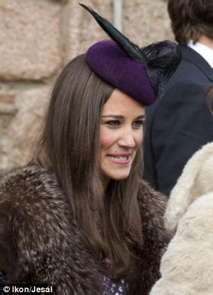 Cocktail Party Planner - pippa middleton slips into a slinky dress and foxy fur stole as she attends friend s wedding