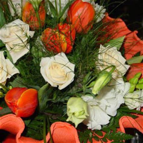 fiori per 50 anni di matrimonio regalo fiori per di matrimonio with cosa regalare per 50