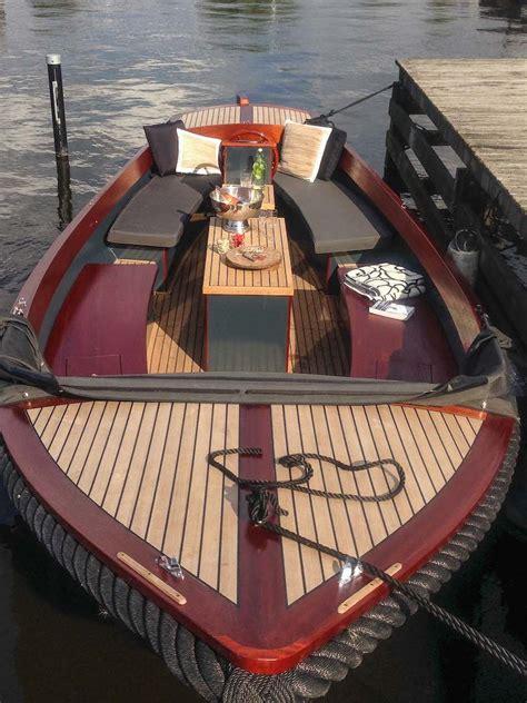 elektrische sloep sloepverhuur boot huren op de loosdrechtse plassen en