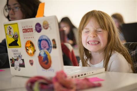 libro girls who code learn girls can learn to code at may 13 workshop at the cube in downtown peterborough kawarthanow