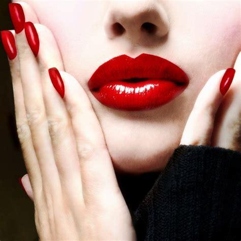 Lip Manicure classic nails sonailicious
