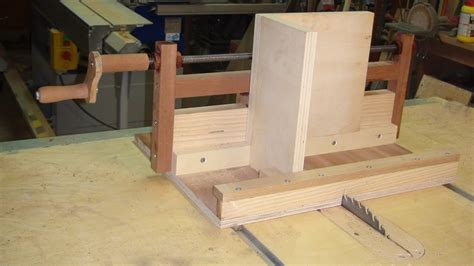 box joint jig  table  exact screw simple