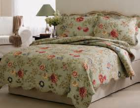 Bedspreads And Quilts Quilts Edens Garden Floral Quilt Bedspread And Pillow Shams