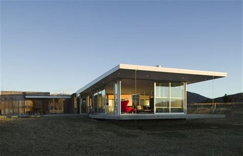 modern wanaka house of new zealand built by crosson clarke