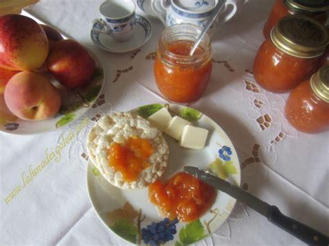 marmellata di pesche fatta in casa marmellata di pesche o confettura fatta in casa buonissima