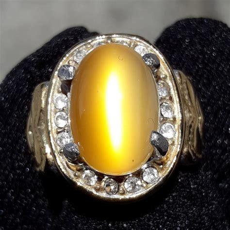 Batu Mata Kucing Putih Bersertifikat batu cincin mustika mata kucing emas dunia pusaka sakti