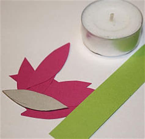kerzenhalter selber basteln papier blumen teelichthalter basteln tolle fr 252 hlingsdeko