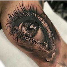 eyeball tattoo shop i wouldn t want this image but the details are simply