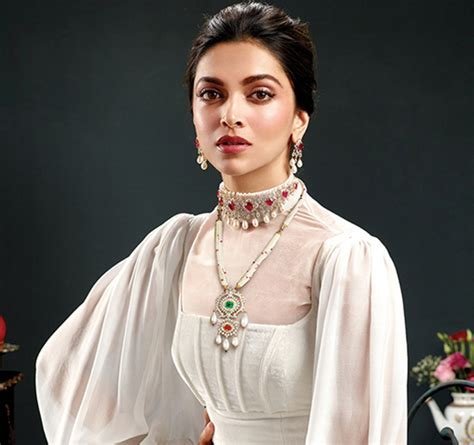 deepika padukone choker deepika padukone height dob education boyfriend and