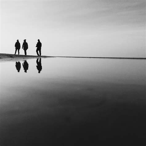 how to use spaces how to create powerful iphone photos using negative space