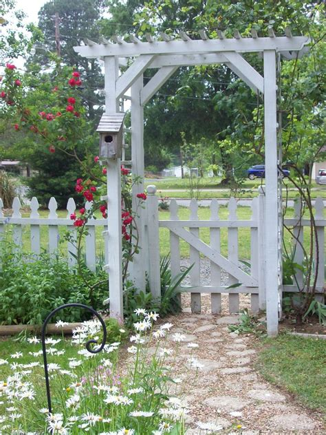 Garden Arbor With Gate White Best 25 Garden Archway Ideas On Garden Arches