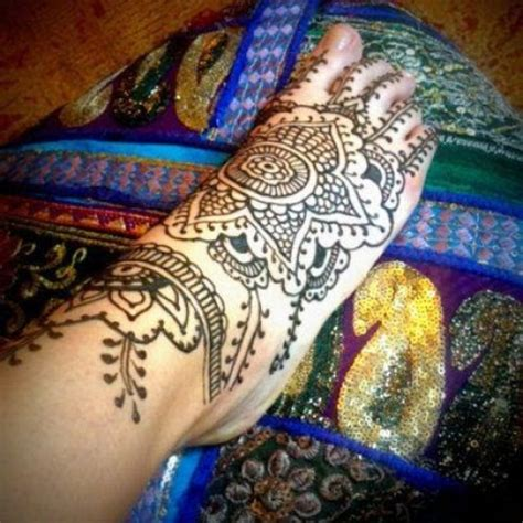 hire whiteheart henna henna tattoo artist in portland
