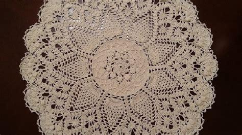youtube doily pattern crochet doily splendid pineapples doily part 1 youtube