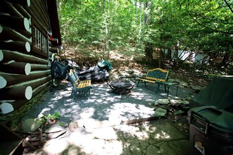 Bushkill Falls Cabins by Poconos Rentals Bushkill Pristine Waterfront Log Cabin With Sleeps 9 In Beds