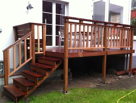 terrasse treppe holz benchandtable 187 terrasse mit treppe