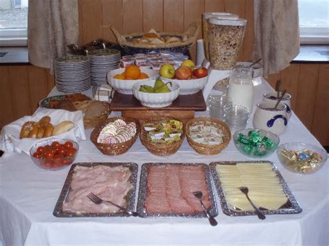 how to set a table for breakfast breakfast buffet table set up each morning picture of