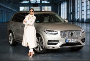 What Is Curb Appeal And Why Is It Important - polish photo shoot proves volvo xc90 has a side