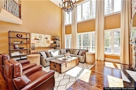 carrie underwood house carrie underwood mike fisher s ottawa home sold photos