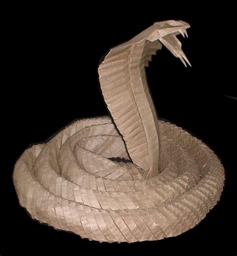 Origami Cobra - king cobra