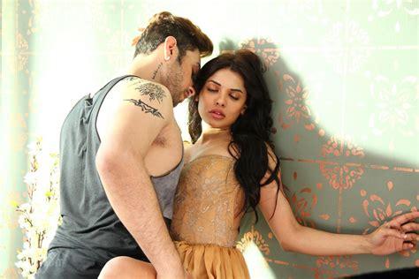 film india hot romantis ishq click 2015 indian romantic movie wallpaper