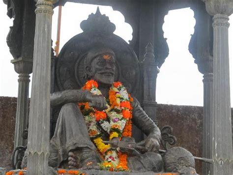 Shivaji Maharaj Raigad Fort Essay by Shivaji Maharaj Picture Of Fort Raigad Maharashtra Tripadvisor