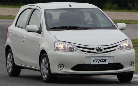 carros toyota etios o carro popular da toyota custa entre r 35 000 e