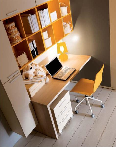 scrivania per cameretta una cameretta elegante come un salotto