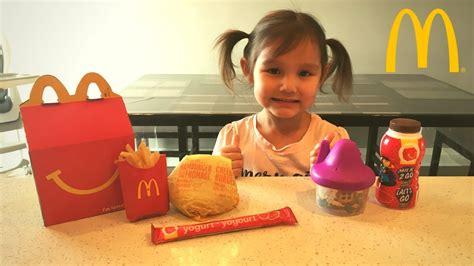 how to make a happy how to make mcdonalds happy meal kid vs food skit pretend playtime for my crafts