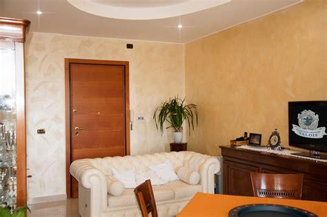 pitture per soggiorni colore pittura soggiorno il meglio design degli interni