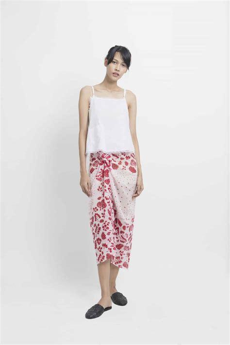 5 Warna Bls319 Setelan Batik Rok Lilit Instan Elegan Klasik til kekinian dengan 6 inspirasi gaya kebaya dan pakaian etnik modern ini untuk acara spesialmu