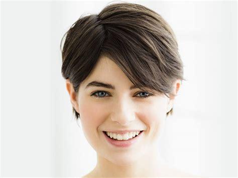 glatte haare tipps fuer pflege und styling nivea