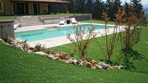 costo erba sintetica per giardino quanto costa veramente un giardino in erba sintetica
