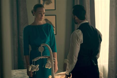 love theme handmaid s tale what will happen in the handmaid s tale season 2