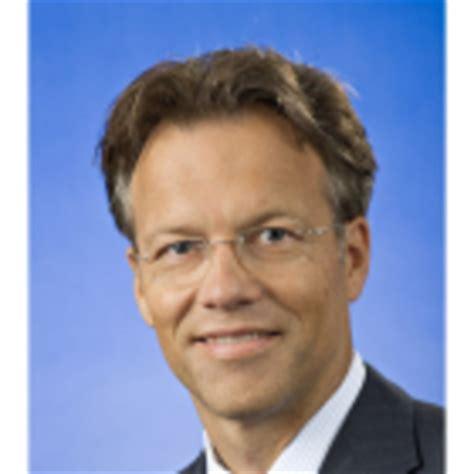 deutsche bank wiesbaden öffnungszeiten junak zielgruppenmanagement familienunternehmen