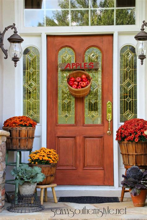 40 Amazing Ways To Decorate Your Front Door With Fall Style How To Decorate Front Door