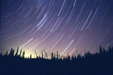 what causes meteor shower what causes this