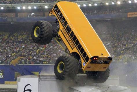 monster truck bus videos themonsterblog com we know monster trucks higher