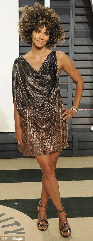 Get Halle Berrys Temperley Dress Right The Shop Rack by How You Can Get Halle Berry S Envious Daily Mail
