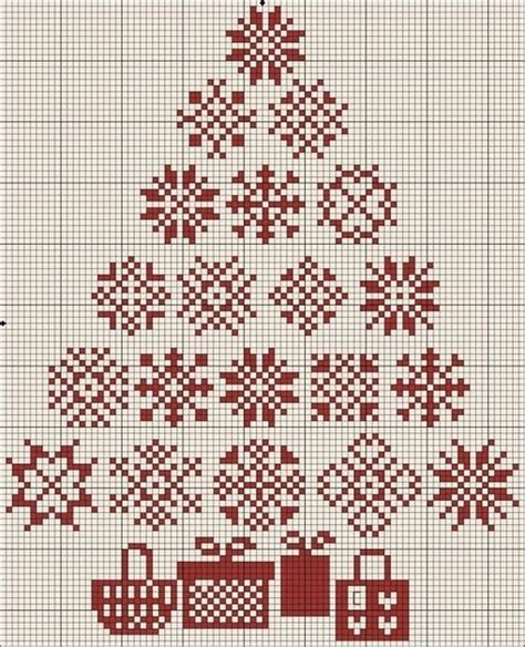 christmas patterns on pinterest 17 best images about cross stitch freebies on pinterest
