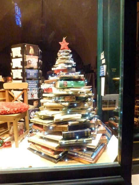 books for display best 10 christmas window display ideas on pinterest