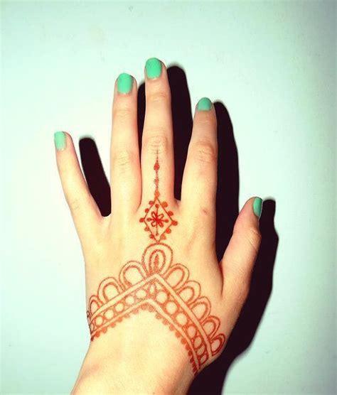 pin  miranda dominguez  henna henna hand henna henna tattoo designs