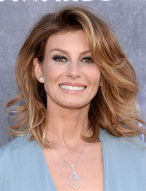 faith hill hair cuts 2014 faith hill shoulder length hairstyles looks stylebistro