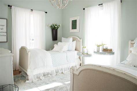 magnolia bedroom magnolia house fixer upper bed breakfast hello lovely