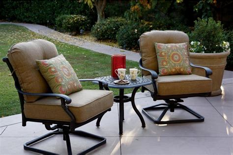 Swivel Wicker Patio Chairs : Doherty House   Best Design