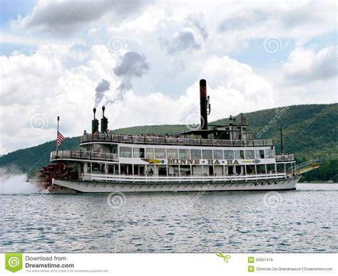 barco a vapor editorial barco de vapor de sternwheel imagen de archivo editorial
