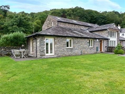 pet friendly holidays in cumbria pet friendly cottages
